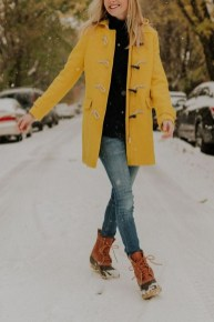 60 Adorable Yellow Outfit for Winter 11