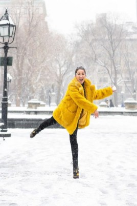 60 Adorable Yellow Outfit for Winter 26