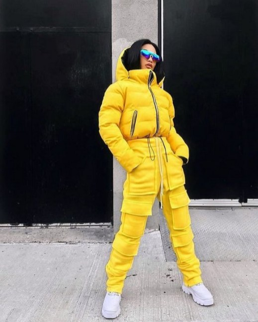 60 Adorable Yellow Outfit for Winter 27