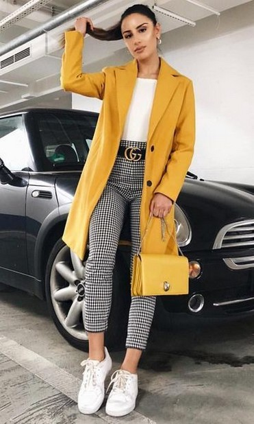 60 Adorable Yellow Outfit for Winter 40