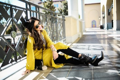 60 Adorable Yellow Outfit for Winter 45