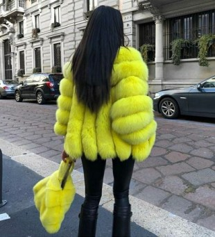 60 Adorable Yellow Outfit for Winter 57