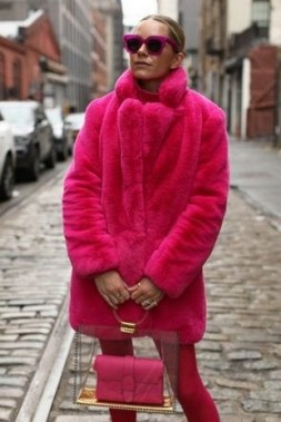 80 Fashionable Women Faux Fur Coats Look 11