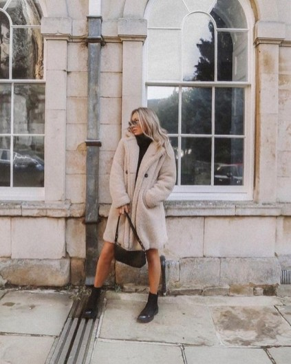 80 Fashionable Women Faux Fur Coats Look 14