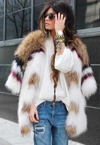 80 Fashionable Women Faux Fur Coats Look 21