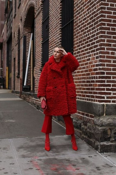 80 Fashionable Women Faux Fur Coats Look 28