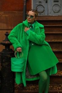 80 Fashionable Women Faux Fur Coats Look 31