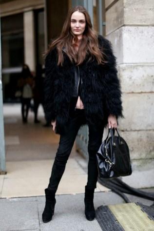 80 Fashionable Women Faux Fur Coats Look 48