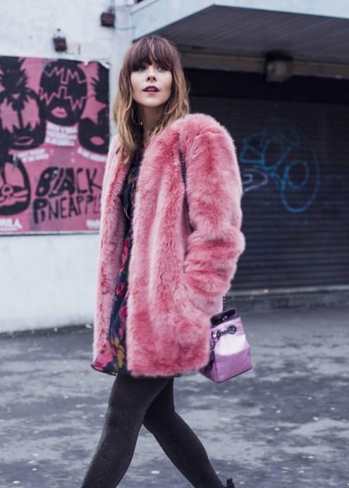 80 Fashionable Women Faux Fur Coats Look 53