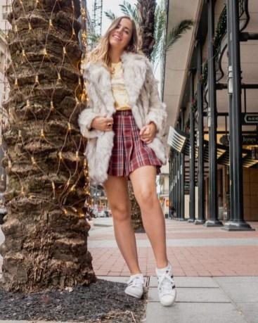 80 Fashionable Women Faux Fur Coats Look 74