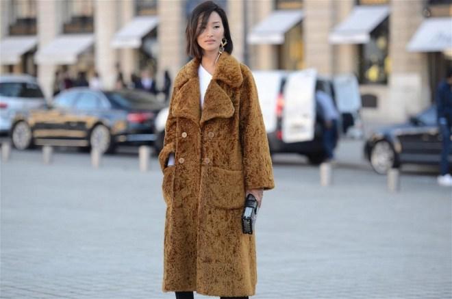 80 Fashionable Women Faux Fur Coats Look 83