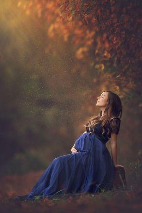 80 Outdoor Maternity Photoshoot Ideas 26