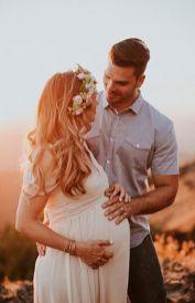 80 Outdoor Maternity Photoshoot Ideas 49