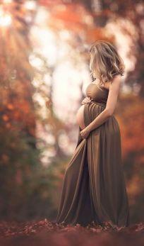 80 Outdoor Maternity Photoshoot Ideas 69