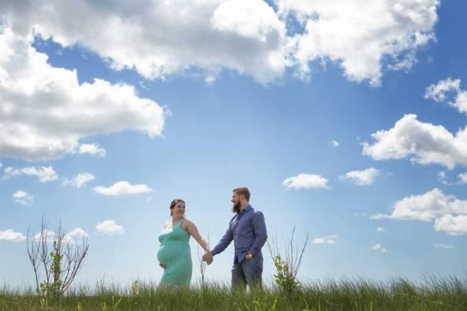 80 Outdoor Maternity Photoshoot Ideas 78