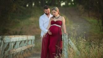 80 Outdoor Maternity Photoshoot Ideas 81