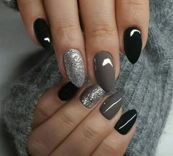 47 Simple Nail Art Design for This Winter Season Inspiration 1
