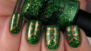 50 Cute and Festive Christmas Nail Design You Should to See 22