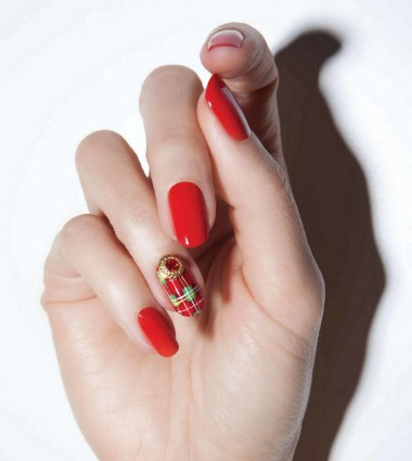 50 Cute and Festive Christmas Nail Design You Should to See 30