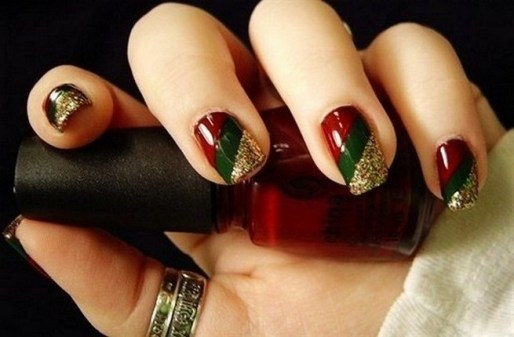 50 Cute and Festive Christmas Nail Design You Should to See 54
