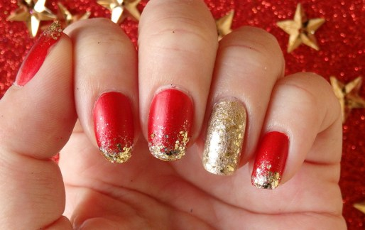 50 Cute and Festive Christmas Nail Design You Should to See 55