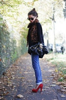 50 Modern Look Jeans and Red Shoes Outfit Ideas 15