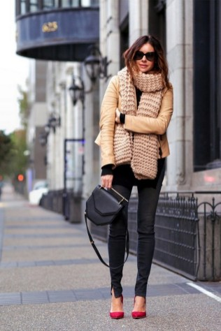 50 Modern Look Jeans and Red Shoes Outfit Ideas 20