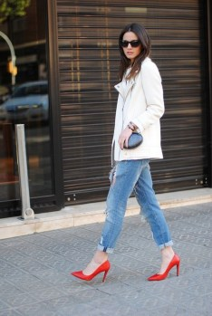 50 Modern Look Jeans and Red Shoes Outfit Ideas 27