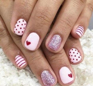 50 Nail Art Ideas for Valentines Day You Need to See 21