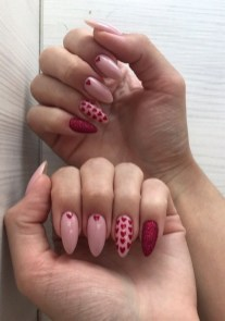 50 Nail Art Ideas for Valentines Day You Need to See 37