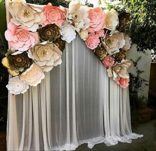 50 Stunning Paper Flower Decoration for Wedding Ideas 04