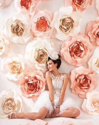 50 Stunning Paper Flower Decoration for Wedding Ideas 24