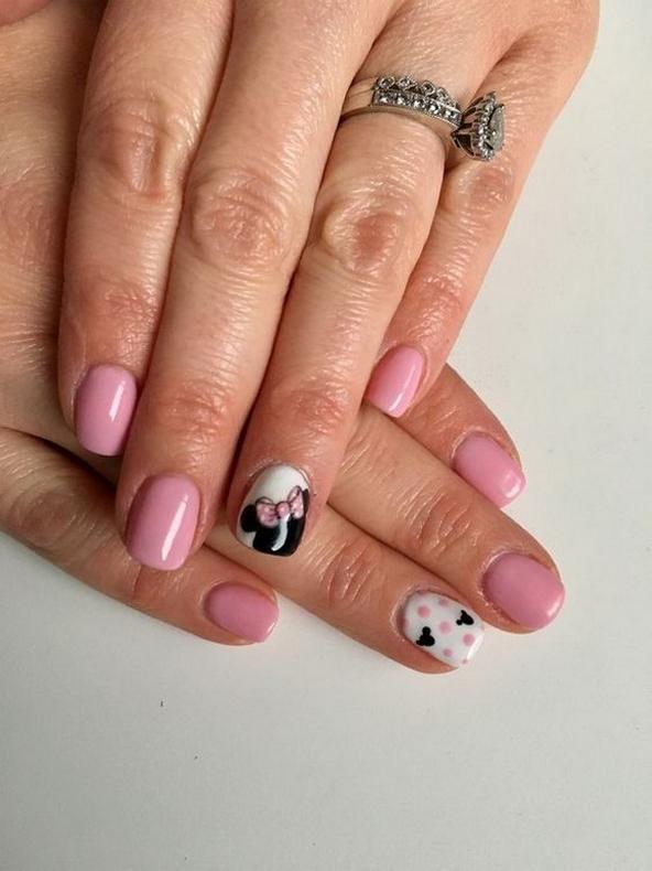 60 Disney Themed Nail Art Ideas 43