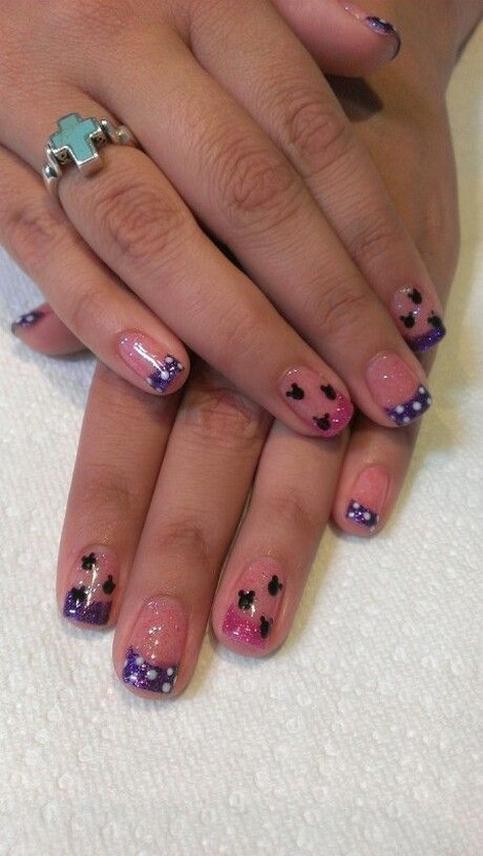 60 Disney Themed Nail Art Ideas 51
