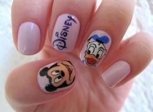 60 Disney Themed Nail Art Ideas 63