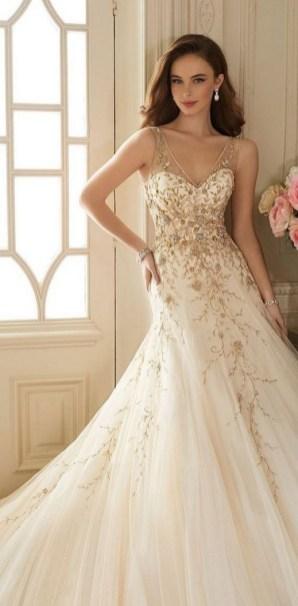 60 Gold Glam Wedding Dresses Inspiration 07
