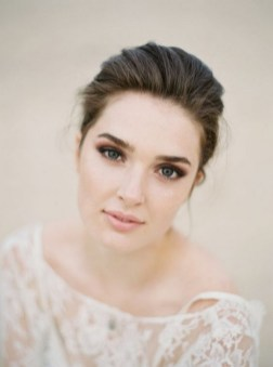 60 Inspiring Natural Bridal Look 23