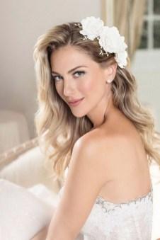 60 Inspiring Natural Bridal Look 24
