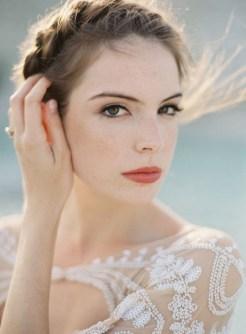 60 Inspiring Natural Bridal Look 29