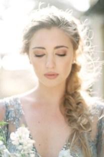 60 Inspiring Natural Bridal Look 36