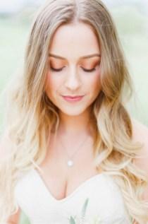 60 Inspiring Natural Bridal Look 43