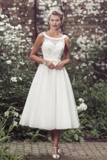60 Simple Vintage Wedding Dress Ideas 17