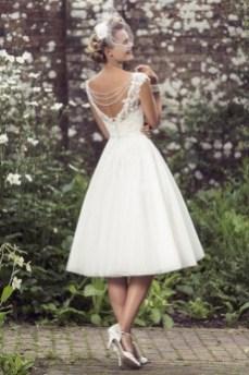 60 Simple Vintage Wedding Dress Ideas 51