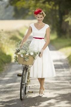 60 Simple Vintage Wedding Dress Ideas 55