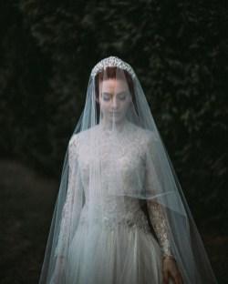 70 Elegant Bridal Crown Wedding Ideas 22
