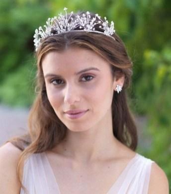 70 Elegant Bridal Crown Wedding Ideas 42