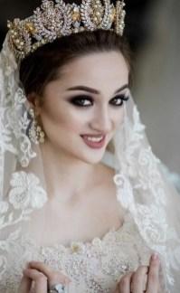 70 Elegant Bridal Crown Wedding Ideas 45