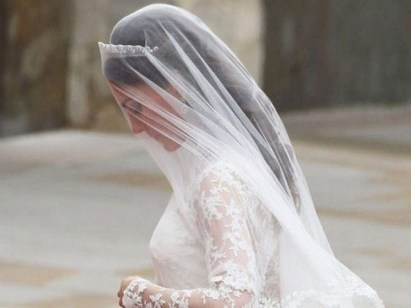 70 Elegant Bridal Crown Wedding Ideas 47