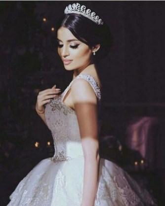 70 Elegant Bridal Crown Wedding Ideas 5