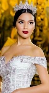 70 Elegant Bridal Crown Wedding Ideas 52